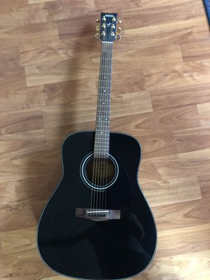Yamaha F-335 Full Size Acoustic Guitar Great Condition for Sale in Fremont, CA