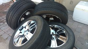 Chrome rims and tires/llantas y rines cromados for Sale in Las Vegas, NV