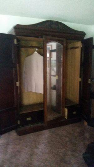 Wardrobe cabinet for Sale in Fresno, CA