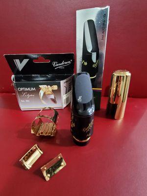 Alto Saxophone Mouthpiece Vandoren V16 & Optimum Ligature - Rarely Used! for Sale in Lynnwood, WA