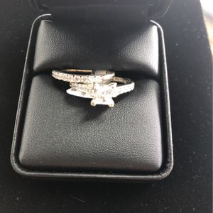 Woman's Wedding Ring Set 14K for Sale in Aurora, CO