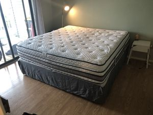 I series king size Temper pedic mattress and frame (included) valued $2100.00 new selling perfect condition slightly used $700 for Sale in Virginia Beach, VA