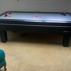 Air hockey table for Sale in Fort Washington,  MD