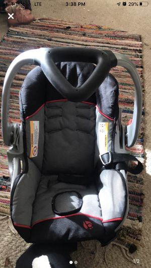 Baby trend car seat and base for Sale in Florence, SC