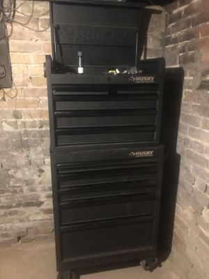 Husky tool box for Sale in Bloomington, IL