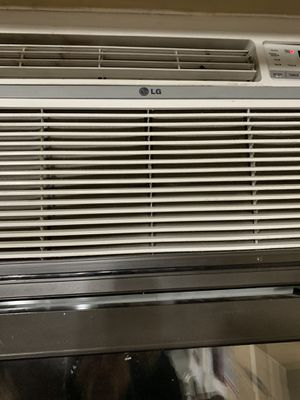 17000 btu airconditioner for Sale in New York, NY