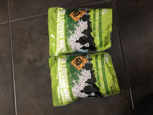 Evike MAX Precision 6mm Airsoft BBs (Weight: .25g / 5000 Rounds / White) for Sale in Sacramento, CA
