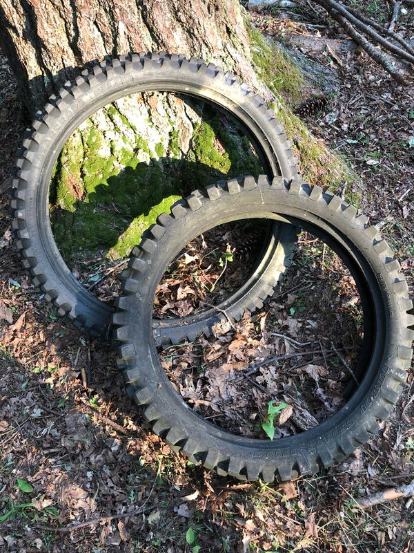 Star cross dirtbike tires for a 450