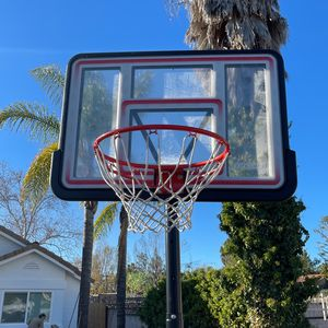 Near New Lifetime Basketball Hoop 1 Yr Old for Sale in Temecula, CA