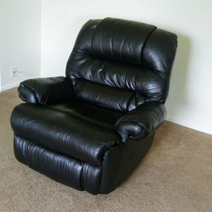 Recliner for Sale in Willow Grove, PA