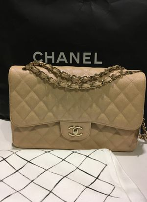 Chanel large classic flap caviar bag for Sale in Arlington, TX