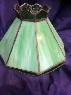 VINTAGE TIFFANY STYLE SLAG STAINED GLASS GREEN LAMP SHADE for Sale in Baltimore, MD