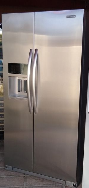 Kitchen Aid Stainless Steel Refrigerator for Sale in Bakersfield, CA