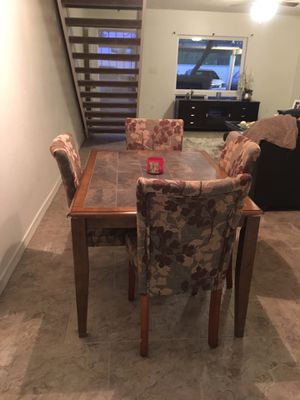 Table and 4 chairs for Sale in Phoenix, AZ