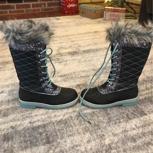 Girls Size 3 Justice Snow Boots for Sale in Willow Grove, PA