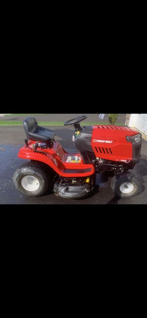 Riding Lawn Mower - Like New!!! for Sale in Millersville, MD