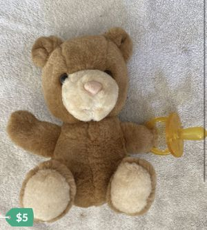 """Vtg 6.5"""" Russ BEBE BEAR WITH PACIFIER; brown cream plush stuffed animal for Sale in Aurora, IL"""