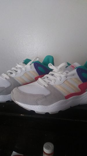 Adidas chaos womens sz 8.5 for Sale in Columbus, OH