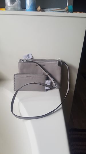 Michael kors set for Sale in Tolleson, AZ