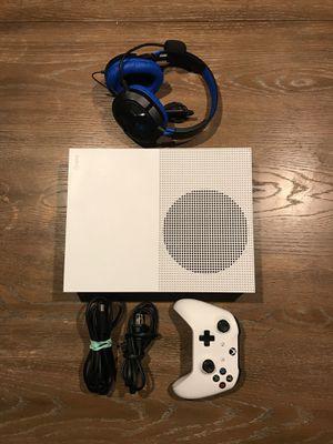 Xbox One S w/ Controller & Turtle Beach for Sale in Newport Beach, CA