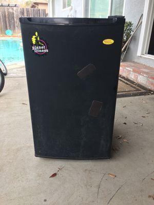 Mini fridge for Sale in Modesto, CA