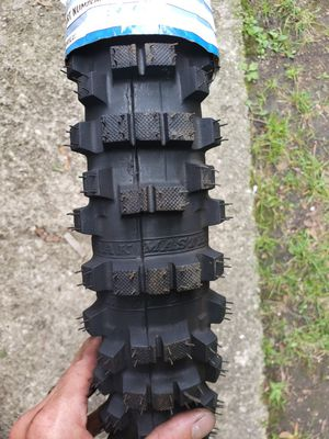 Front dirt bike tire for Sale in Chicago, IL