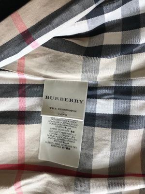 Burberry Kensington Long Trench Coat Size 6 for Sale in Houston, TX