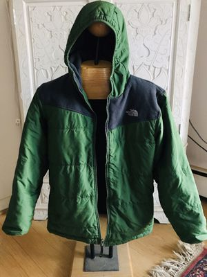 Boys North Face Reversible jacket w/ hoodie 18/20 for Sale in Silver Spring, MD