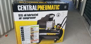 BRAND NEW CENTRAL PNEUMATIC 8 GAL AIR COMPRESSOR for Sale in Cortez, FL