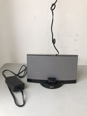 Bose SoundDock Series II 30-Pin iPod/iPhone Speaker Dock - Bluetooth Ready for Sale in Chicago, IL