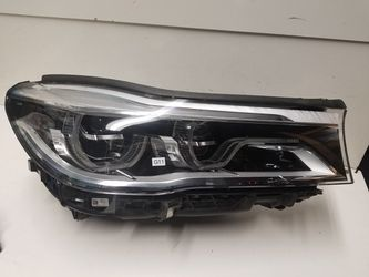 Bmw 7 series right headlight 2017-2019 for Sale in South Gate,  CA