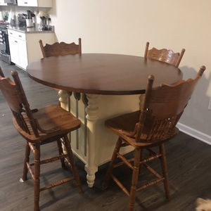 Counter Height Table And 4 Barstools for Sale in Clayton, NC