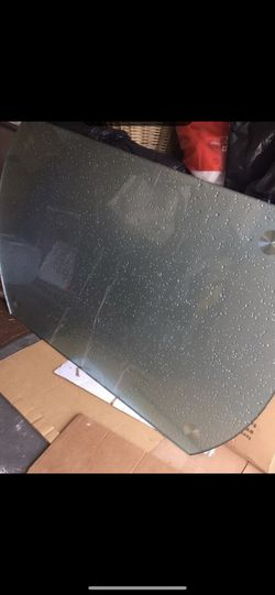 Glass kitchen table $75 for Sale in Staten Island,  NY