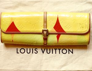 Authentic Louis Vuitton Vernis Clutch / Sling for Sale in Tampa, FL
