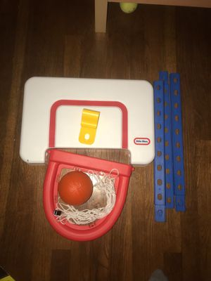 Little tikes Basketball hoop for Sale in Waltham, MA