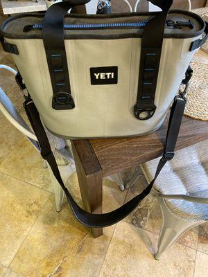Yeti soft cooler for Sale in Laguna Niguel, CA