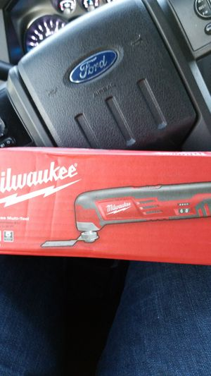 Milwaukee multi-tool for Sale in Germantown, MD