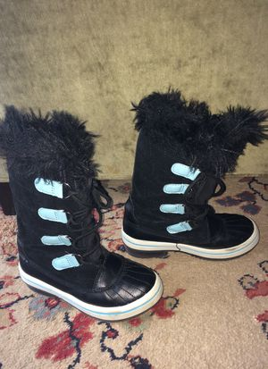 Kid's boots - size 13y for Sale in Rockville, MD