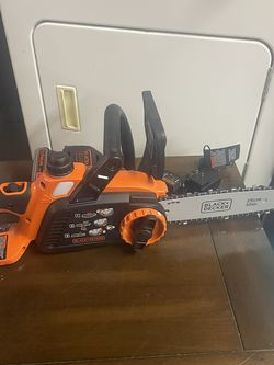 Black And Decker Chain Saw 20v 10 Inch Bar for Sale in Freedom,  PA