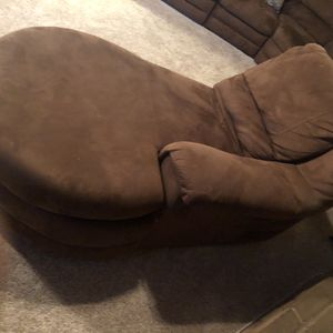 Lounge for Sale in Fresno, CA