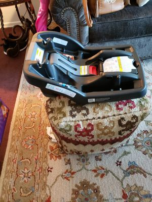 Infant Graco car seat base for Sale in Jacksonville, NC