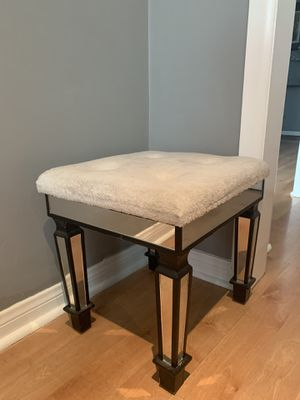 MODERN MIRRORED PETITE STOOL for Sale in Beverly Hills, CA