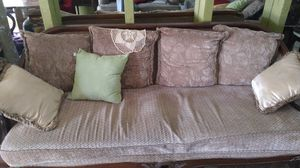 $100 for Antique style furniture. In descent condition. for Sale in Fort Lauderdale, FL
