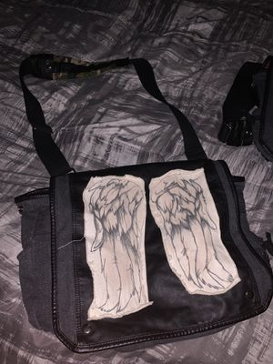The Walking Dead Daryl Wings Messenger Bag for Sale in Los Angeles, CA