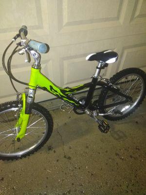 Giant boys mountain bike for Sale in Aurora, CO