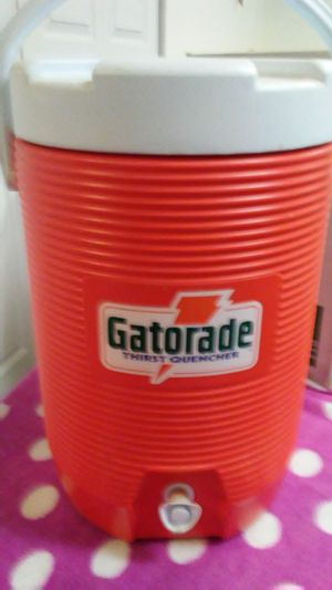 Gatorade cooler by Rubbermaid for Sale in New Windsor, MD