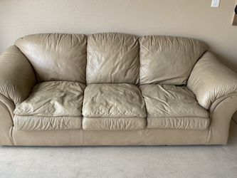 Leather Couch for Sale in Chandler,  AZ