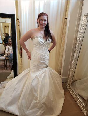 New size 12 wedding dress! $225.00 OBO for Sale in Seattle, WA
