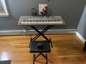 Piano Keyboard YAMAHA YPG-235 for Sale in Saugus, MA