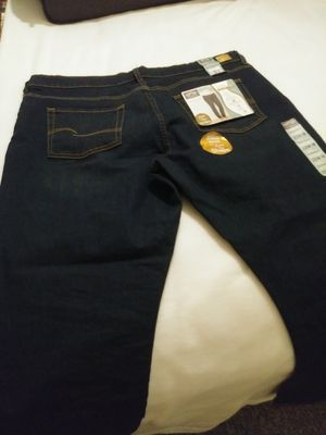 Signature LEVI STRAUSS JEANS size 22 womens for Sale in Orlando, FL